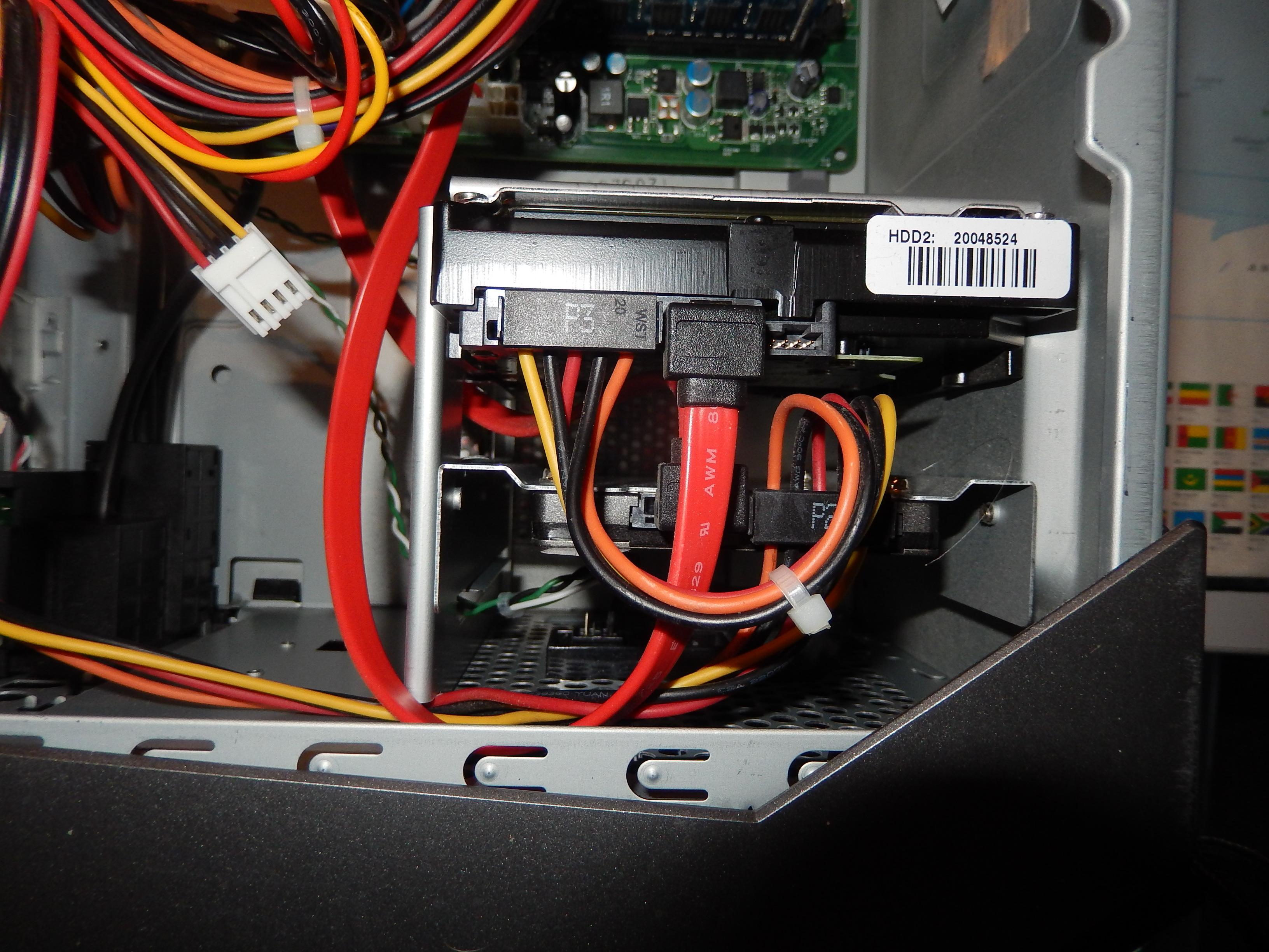 Einbau SSD (2,5 Zoll) in Hot Swap Festplattenrahme ...