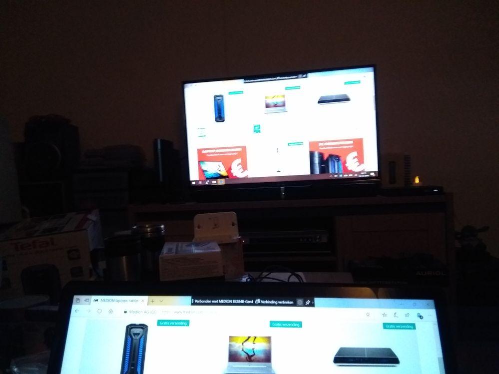 Wireless display laptop